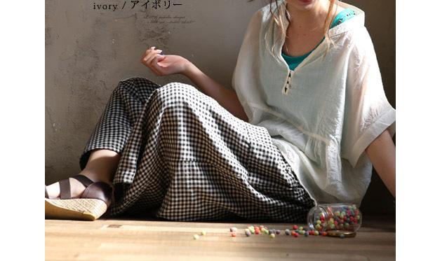 40代ファッションのコットンブラウス