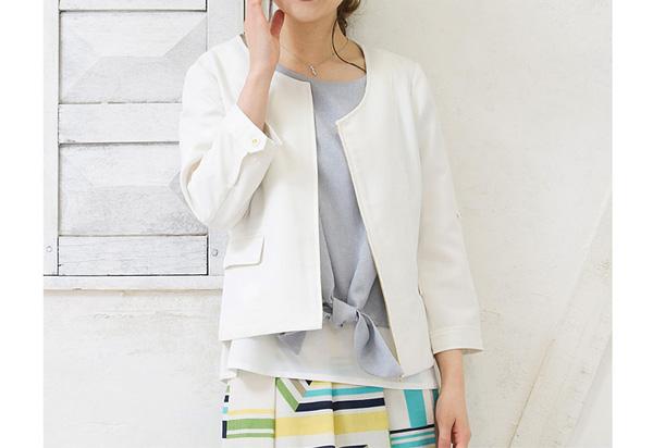 40代ファッションのホワイトジャケット