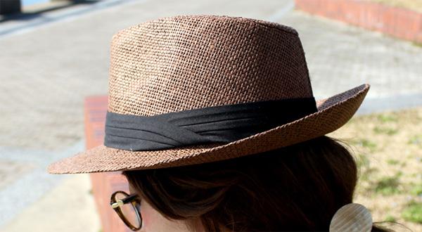 お洒落な麦わら帽子