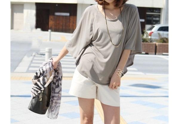 40代ミセスファッションのポンチョ型Tシャツ