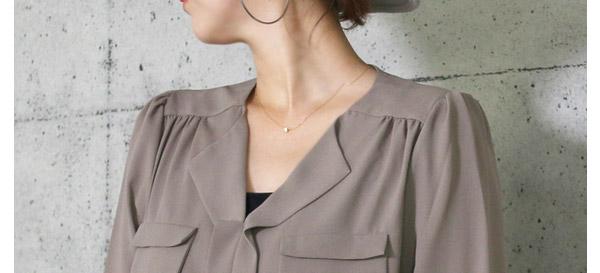 40代ミセスファッションのとろみブラウス
