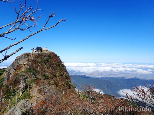 石鎚神社頂上社と雲海