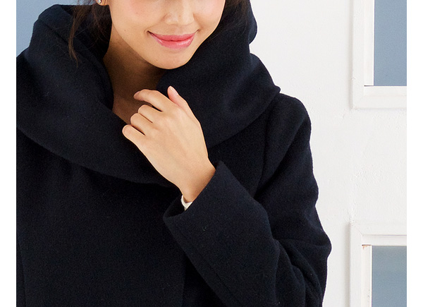 織目がギュッと詰まって暖かい!圧縮ウールコート