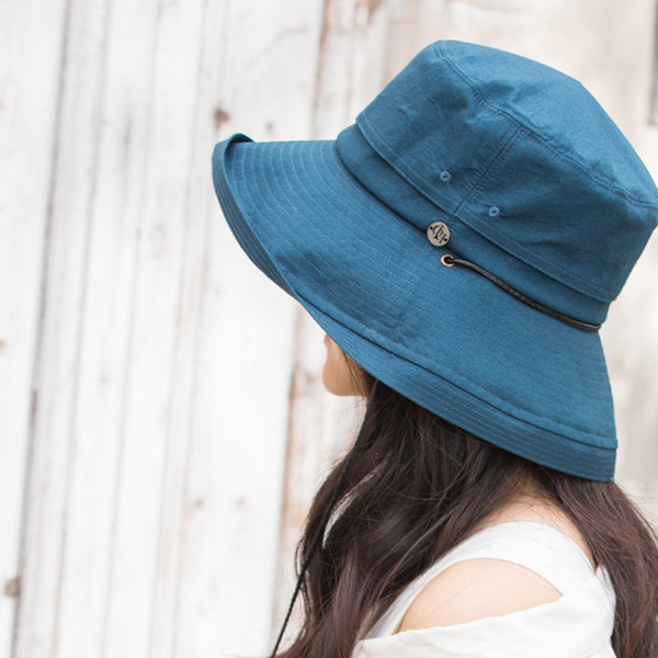 風で飛ばないオシャレ帽子